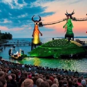 世界最大水上歌剧舞台的奇妙造型